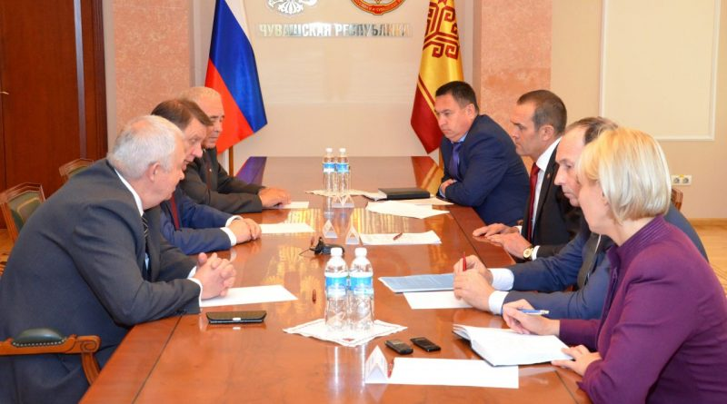 Глава Чувашии провел рабочую встречу с руководством Российской партии пенсионеров