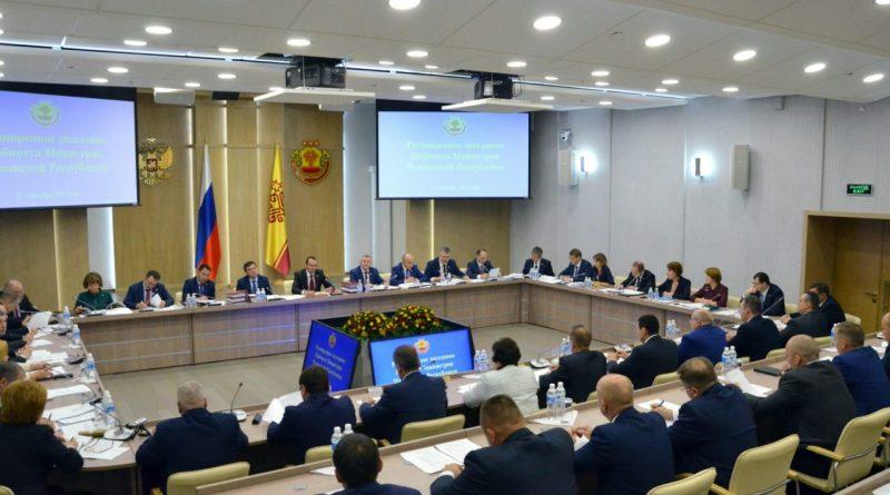 Михаил Игнатьев провел расширенное заседание Кабинета Министров