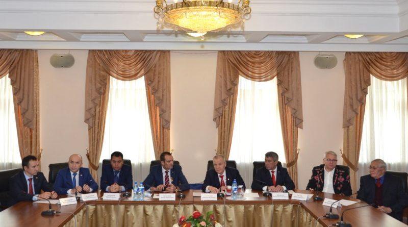 Михаил Игнатьев встретился с чувашами из разных регионов и стран