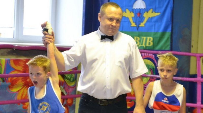 Главный трофей состязаний у алатырских боксеров