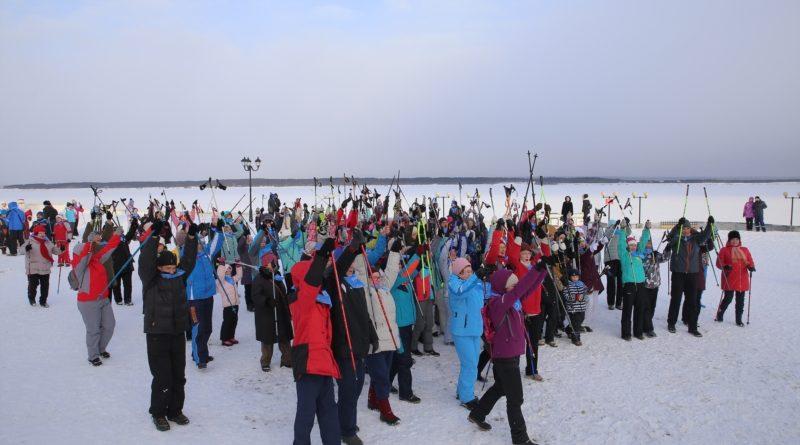 В городе Чебоксары состоялся первый Фестиваль скандинавской ходьбы «Здоровье на Волге»