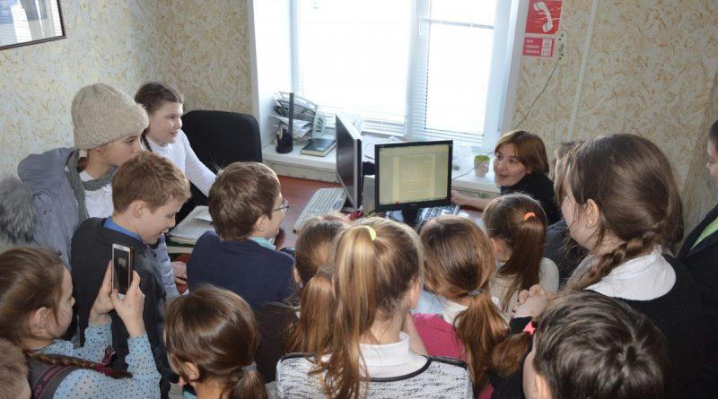 В редакции газеты «Алатырские вести» побывали школьники 1