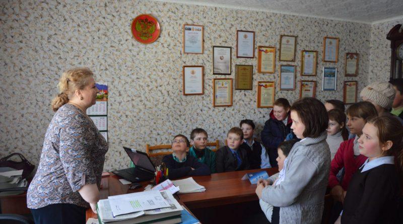 В редакции газеты «Алатырские вести» побывали школьники 3