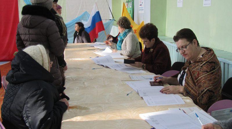 В школе № 3 работают сразу два избирательных участка 1
