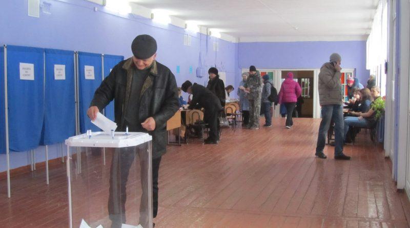 Главы администраций города и района приняли участие в выборах