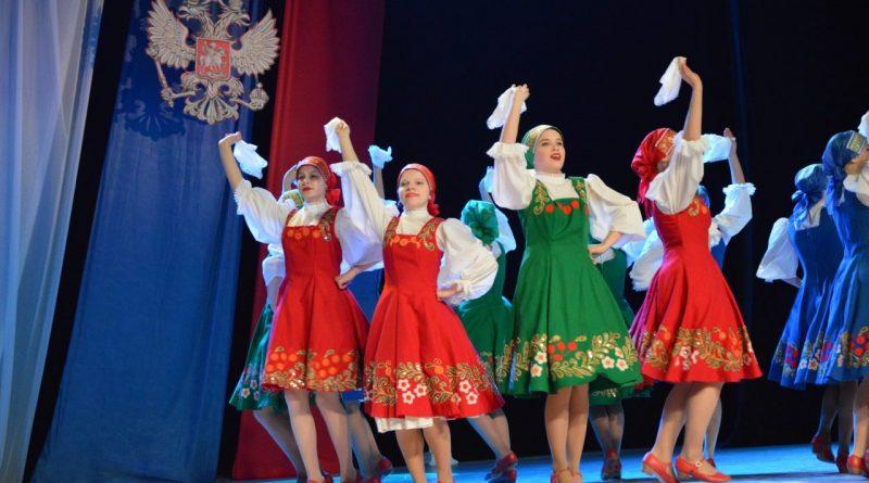 В Алатыре прошло праздничное мероприятие «Сильный Президент! Сильная Россия!»