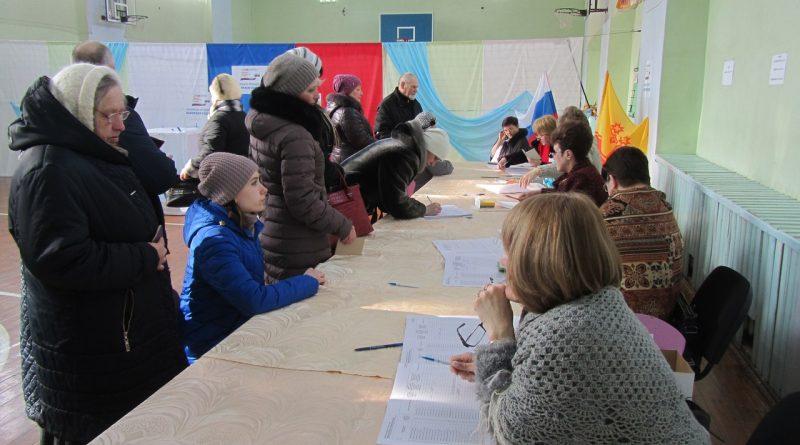 В школе № 3 работают сразу два избирательных участка 3