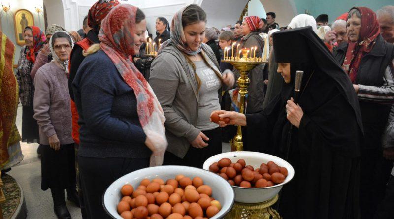 Верующие отмечают главный христианский праздник – Пасху 46