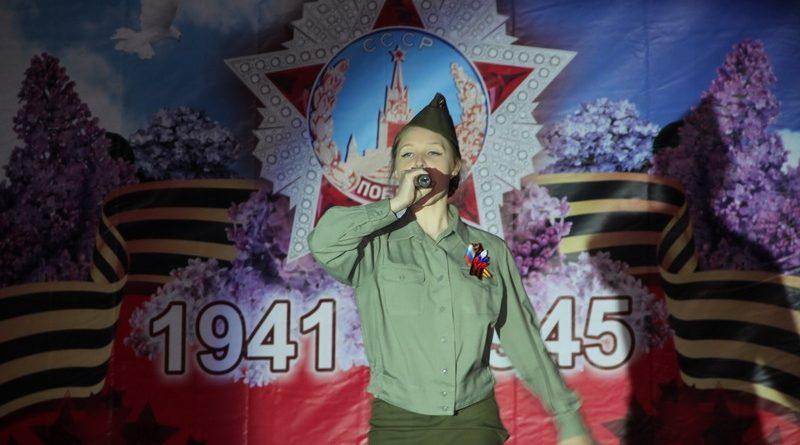 9 Мая завершилось в Алатыре праздничным концертом и салютом