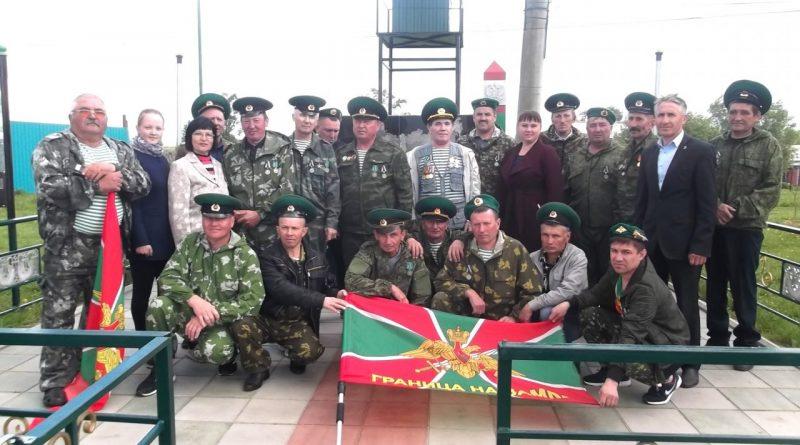 Воины-пограничники с. Старые Айбеси отметили 100 лет образования пограничных войск России