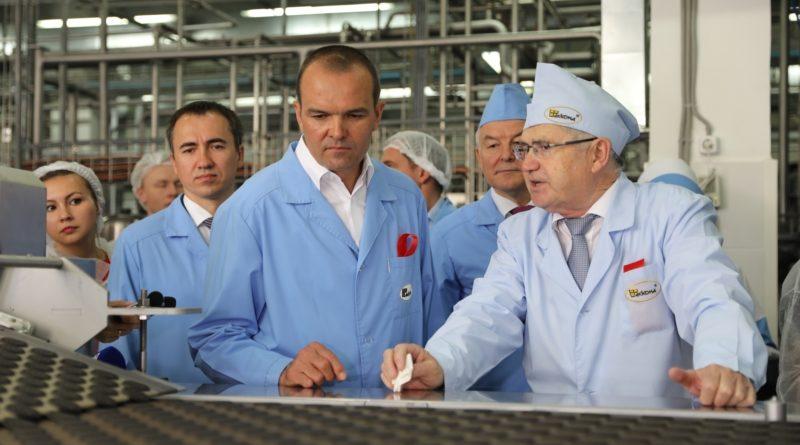АО «АККОНД» приурочило к Дню Республики запуск новой линии по производству сахарного печенья