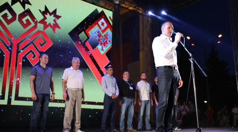 В церемонии награждения победителей XI Международного фестиваля фейерверков принял участие Глава Чувашии Михаил Игнатьев