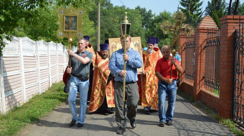 Крестный ход в Алатыре в память о царской семье