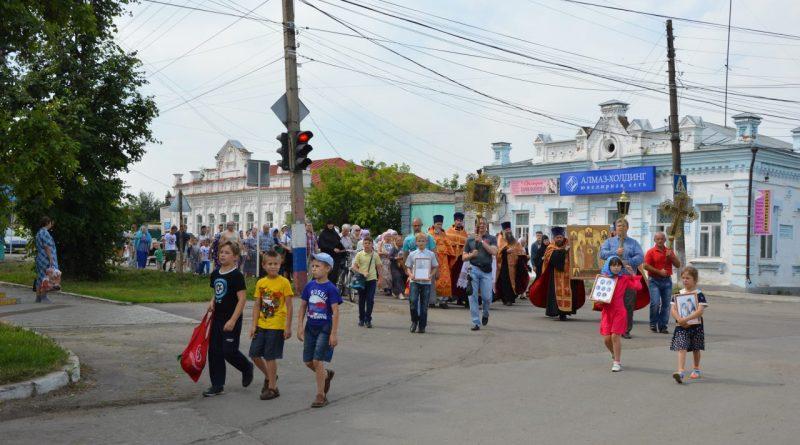 Крестный ход в Алатыре в память о царской семье 22