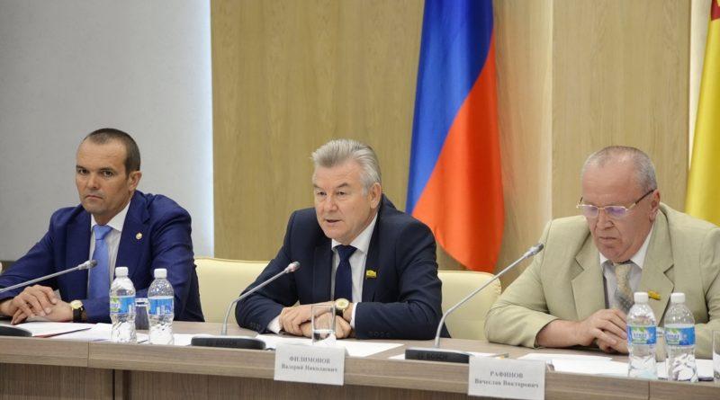 Глава Чувашии встретился с членами «Единой России»