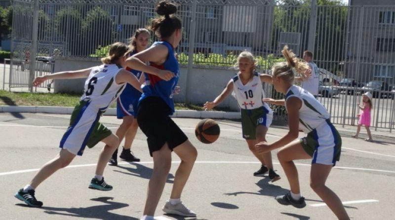 Алатырские спортсменки стали чемпионками республики по баскетболу  в трёх возрастных группах