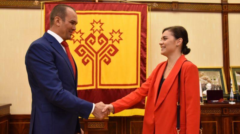 Глава Чувашии встретился с олимпийской чемпионкой по фигурному катанию Аделиной Сотниковой