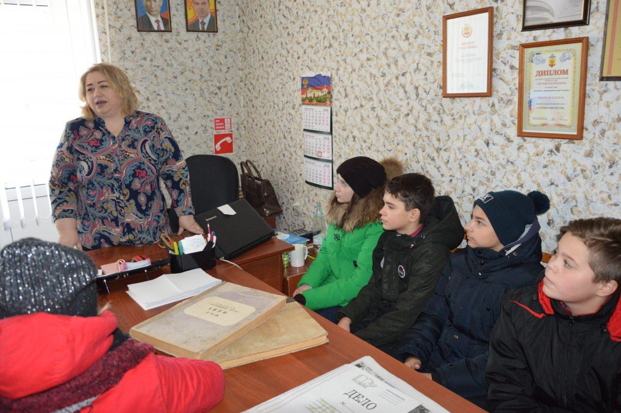 Школьников познакомили с процессом создания газеты