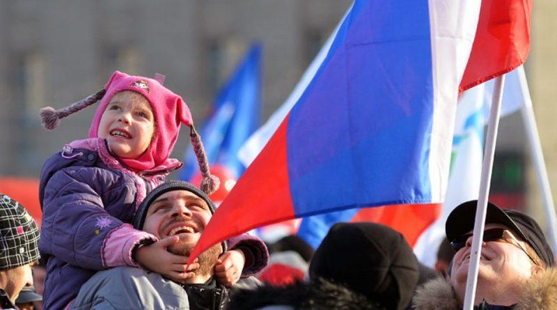 Жители Алатыря и Алатырского района рассказали о том, в чем сегодня проявляется народное единство