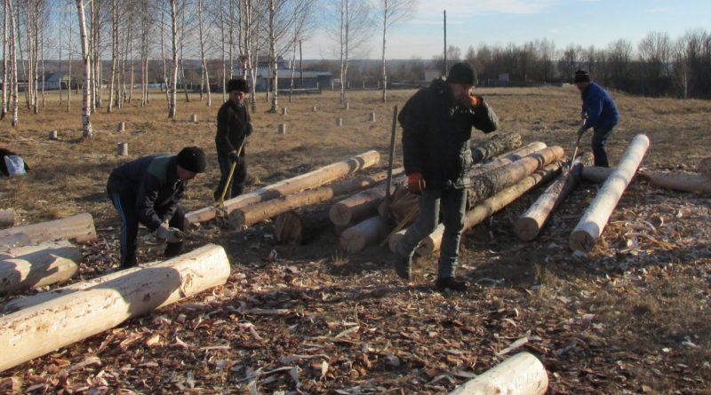 На Родовой поляне села Старые Айбеси жители начали строительство родовых домиков