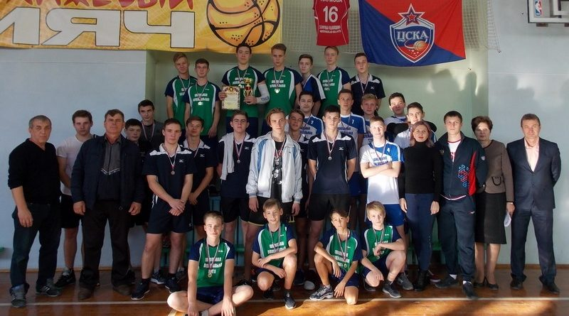 В Алатыре прошёл турнир по волейболу, посвящённый Дню народного единства