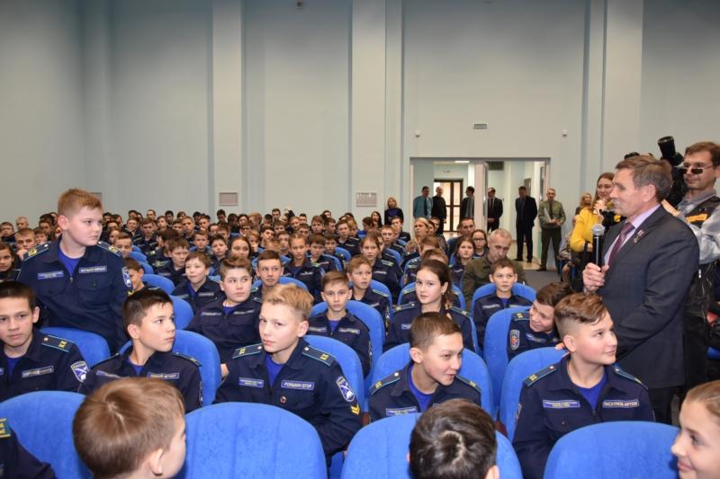 Учащимся Чувашского кадетского корпуса провели открытый урок Герои России 3