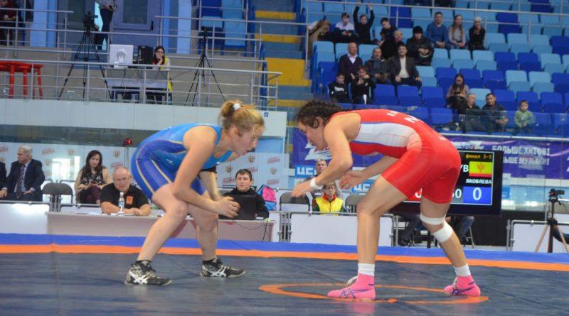 Кубок России по женской вольной борьбе: завершились поединки за «бронзу»