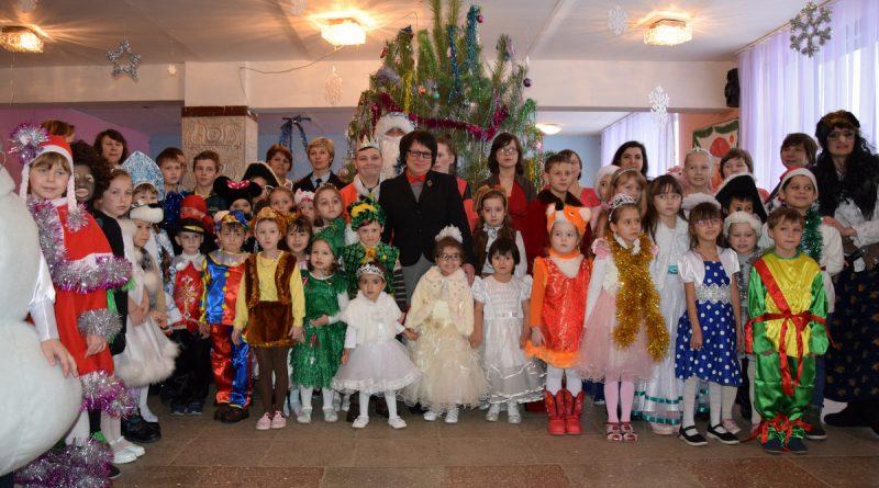 В Октябрьском Доме культуры прошла главная елка Алатырского района