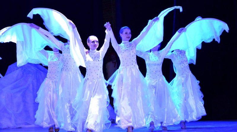 В Алатыре официально открыли Год театра 8