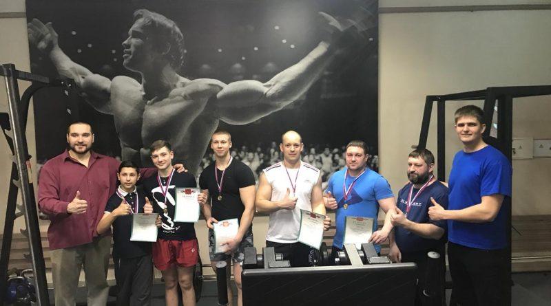 В Алатыре прошел первый открытый турнир города по пауэрлифтингу, посвященный памяти Андрея Осинцева