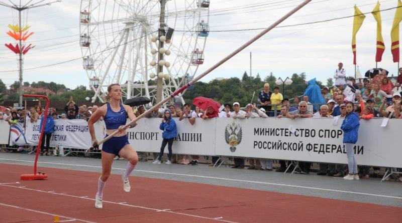 в Чебоксарах проходят Всероссийские соревнования «Мастера по прыжкам с шестом»