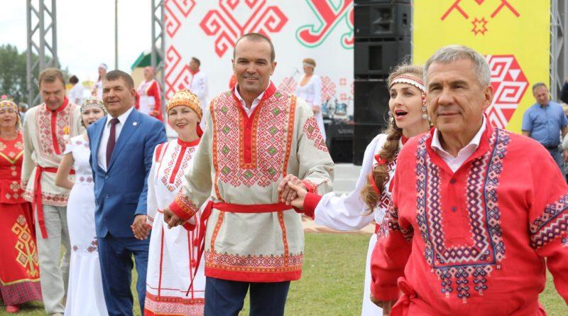 Глава Чувашии Михаил Игнатьев в Татарстане принял участие во Всероссийском празднике чувашской культуры «Уяв»