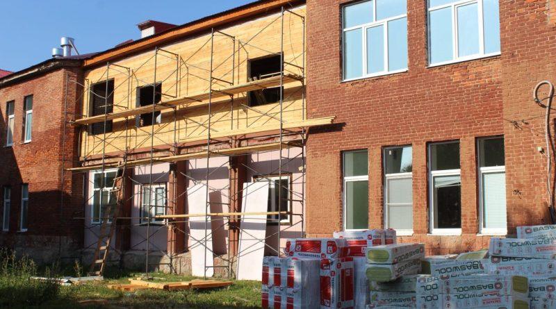 Ведется ремонт детской поликлиники ЦРБ Алатырского района