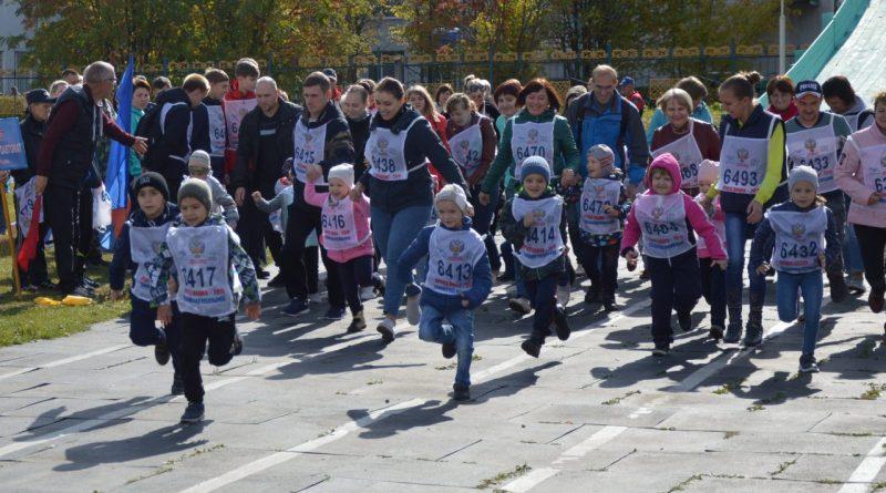 """Алатырцы присоединились к Всероссийскому празднику """"Кросс нации"""""""