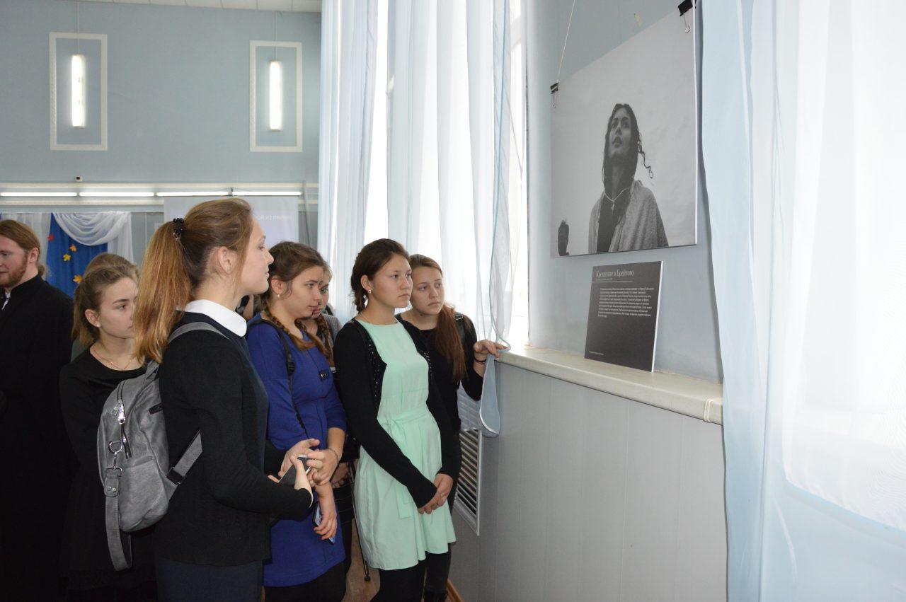 В течение двух дней алатырцы имели возможность насладиться фотовыставкой «Верующие» 4