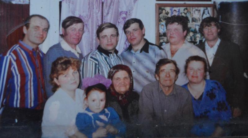"""""""Пелагея Бурмистрова и ее большая семья"""". К Дню матери – о сердце, которое согреет всех и каждого"""