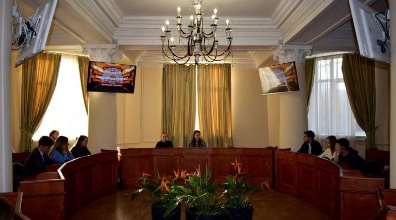 студенты-активисты собрались за круглым столом в рамках проекта «Театральное Приволжье» в Чувашской ГСХА