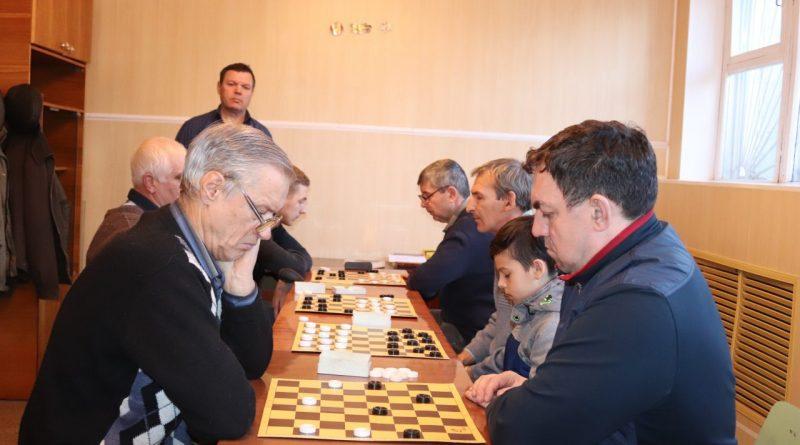 Состоялся турнир по шашкам на призы газеты «Алатырские вести»