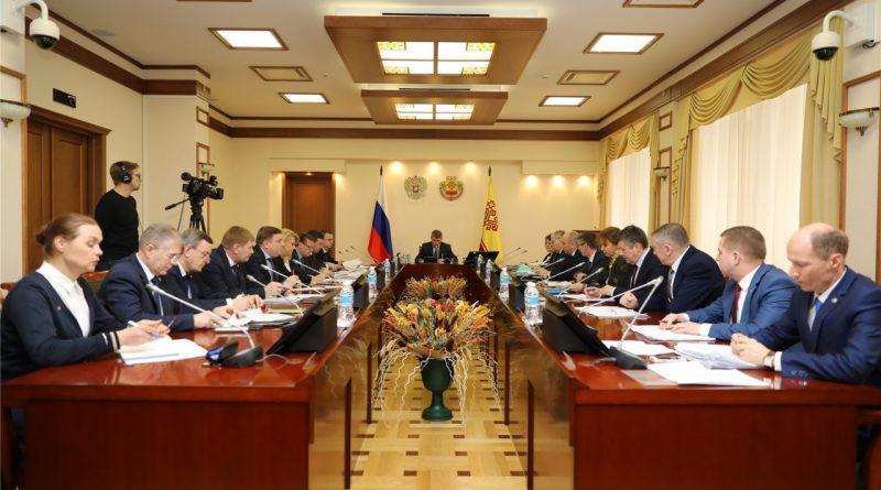 Олег Николаев провел первое заседание нового состава Кабинета Министров Чувашской Республики.