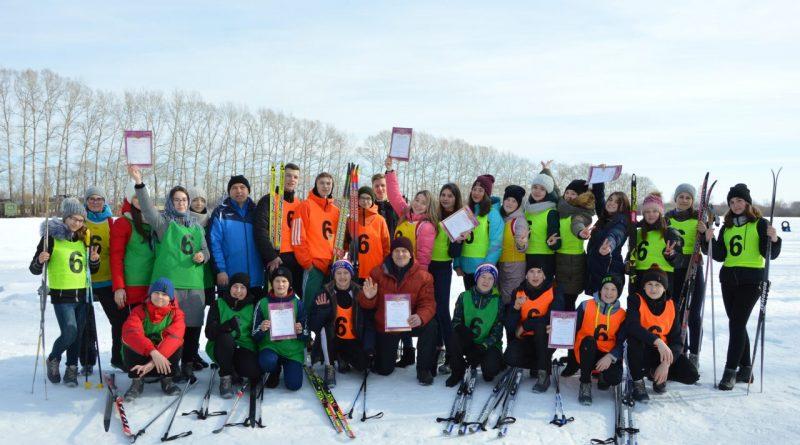 Школьники Алатыря приняли участие в лыжной эс