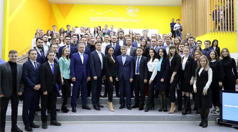 Олег Николаев: на госслужбе должны работать молодые люди с активной жизненной позицией