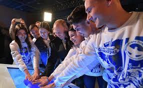 100 000 добровольцев примут участие в организации главных мероприятий Года памяти и славы