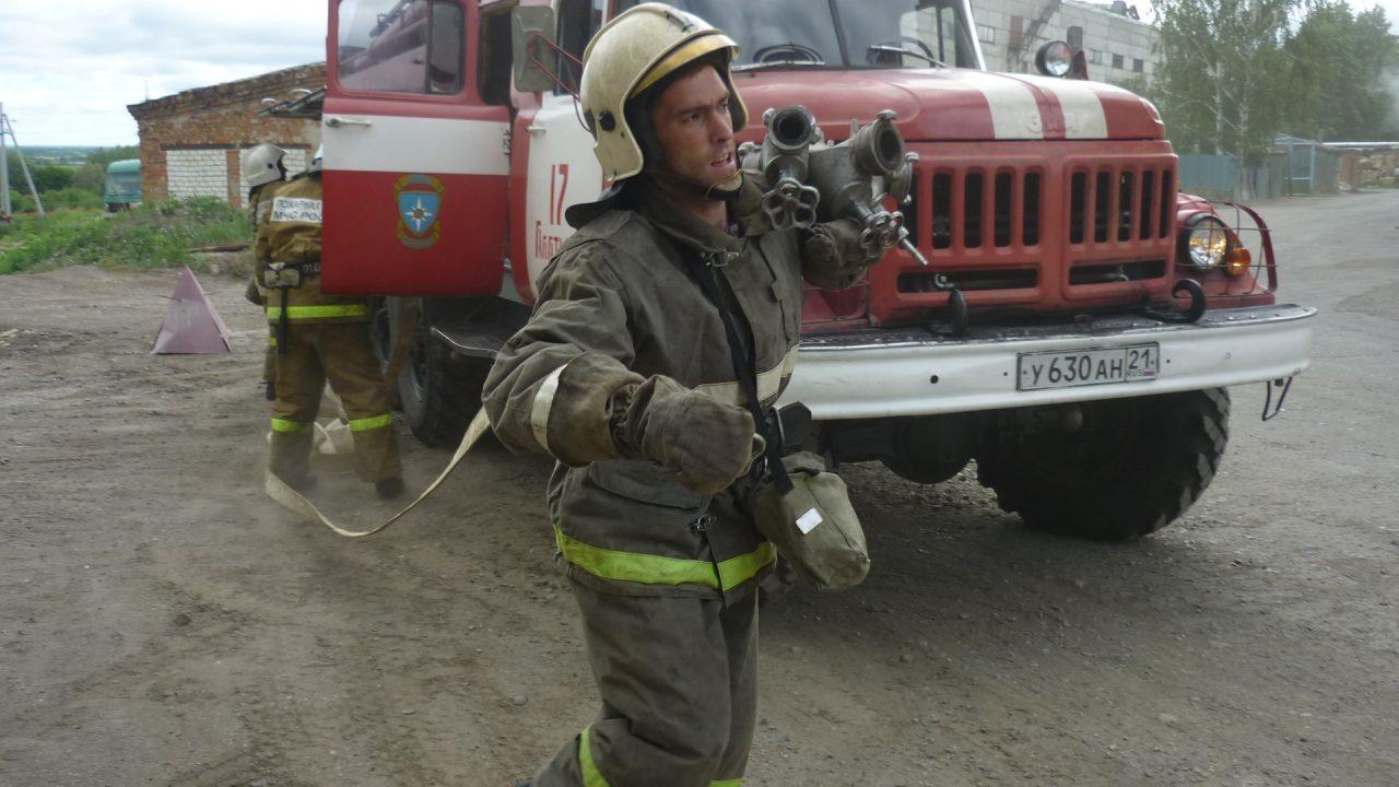 Свой профессиональный праздник отмечают сотрудники 17 пожарно-спасательной части 2