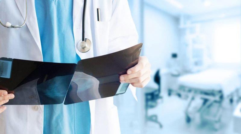 Олег Николаев взял ситуацию с дополнительными выплатами врачам и соцработникам на жесткий контроль