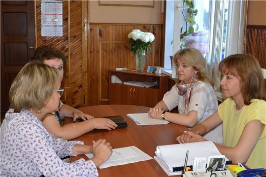 В Алатыре в ходе рабочей поездки побывала министр труда и социальной защиты ЧувашииАлёна Елизарова