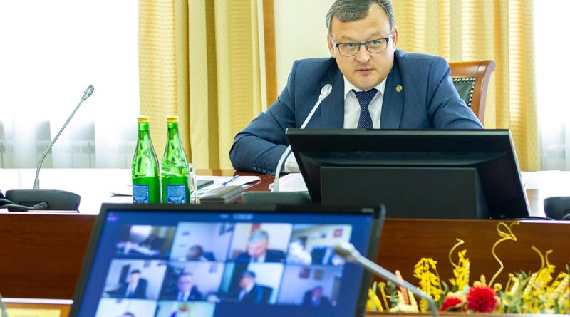 Олег Николаевдержит ситуацию с Чувашкредитпромбанком-банкротом на личном контроле