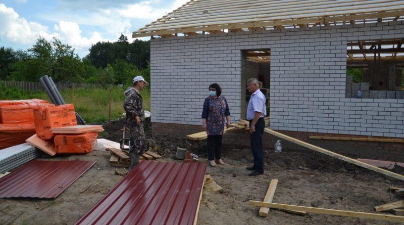 В поселке Атрать началось строительство жилого дома многодетной семье