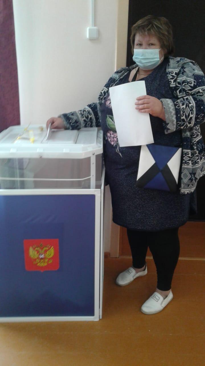 Мама 12 детей Анжелика Ерзукова проголосовала в селе Новые Айбеси