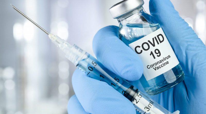 Гинцбург отверг необходимость в долгом запрете на алкоголь при вакцинации 1
