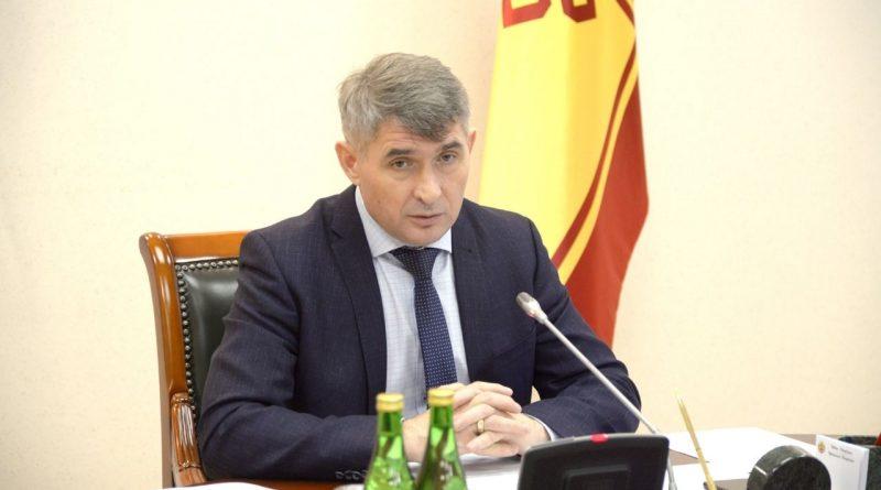 Олег Николаев предложил синхронизировать программы социального контракта и поддержки малого и среднего бизнеса